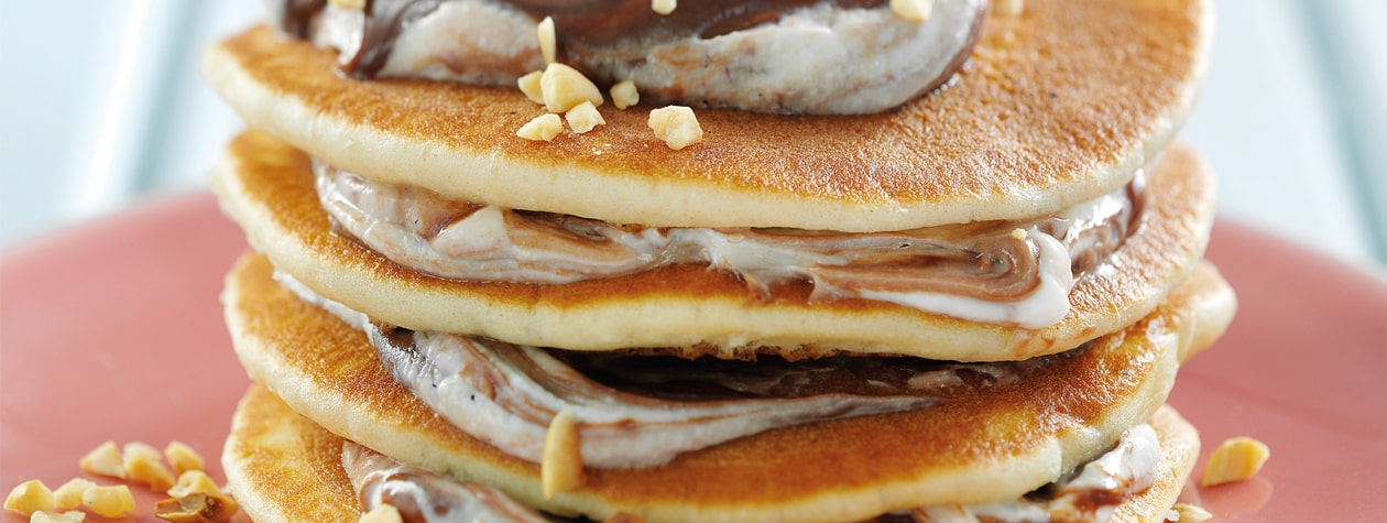 Yoghurt & Chocolate Spread Topped Pancakes