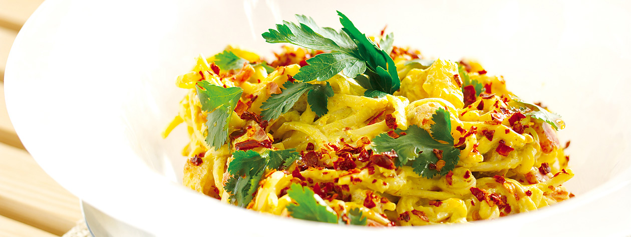 Chilled Macaronia 'Greek Pasta' with Yoghurt Curry Sauce